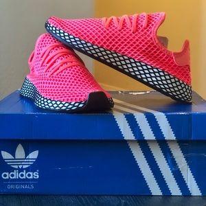 🔥NWT Adidas Deerupt Runner🔥